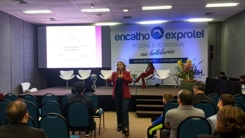 Palestra no Encatho com o tema Avanços na Tecnologia de Vendas