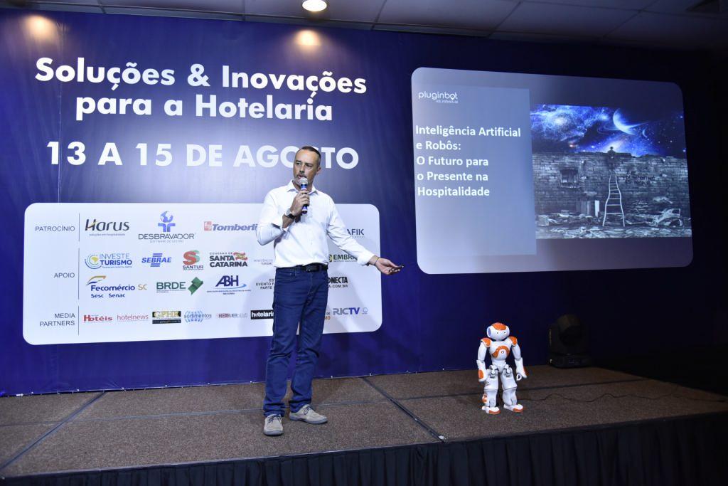 Inteligência Artificial e Robôs: O futuro para o presente na hospitalidade