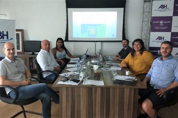 Diretoria executiva da ABIH-SC reunida para tratar do Encatho 2020